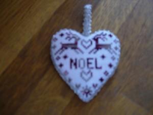 Coeur brodé dans Broderie dscn1961-300x225